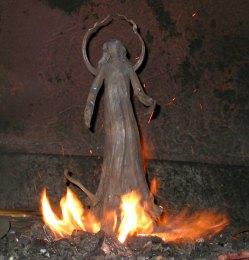 Die heilige Barbara im Schmiedefeuer