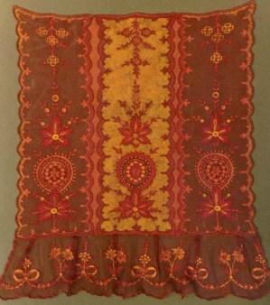 Batik auf weisse Spitzen