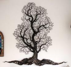 Der Ahnenbaum mit vier Kindern im Baum, im Verkauf