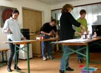 Rger Bittel von Biro Art lernt sein neus Handwerk an einem Wochenende