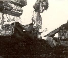 Skizzieren am Borobudur 1972